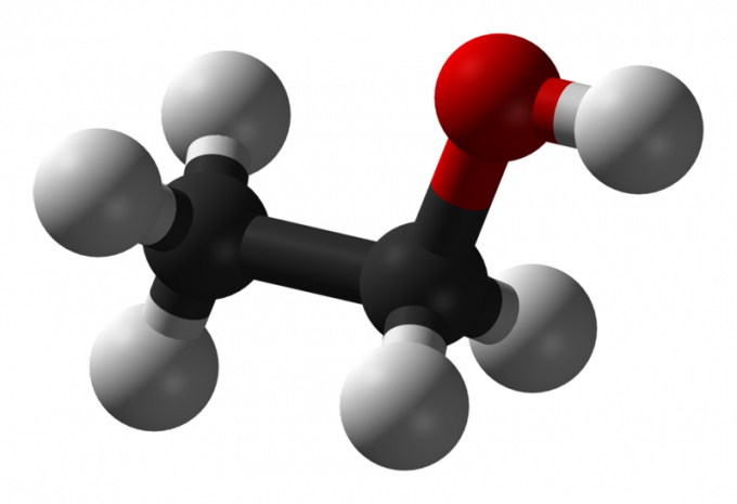 Молекула этанола.