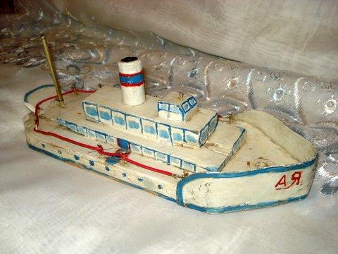 Пример готового деревянного <strong>кораблик</strong>а