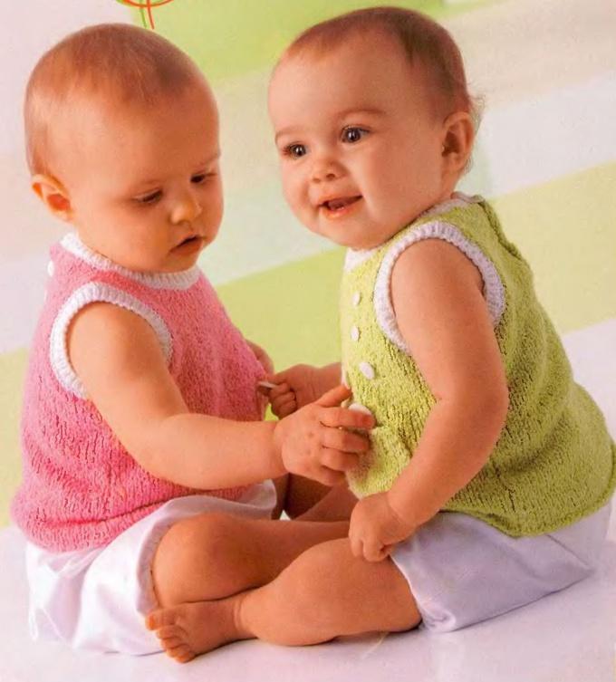 Как связать ребенку безрукавку