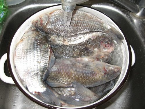 How to soak salted fish