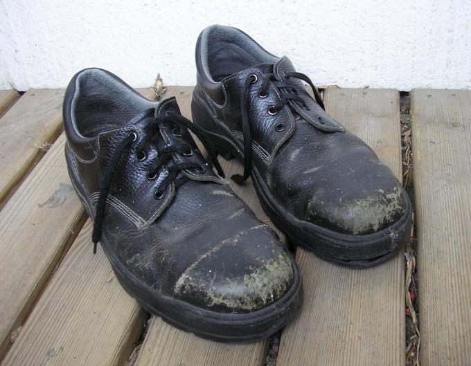 Как избавиться от разводов на обуви