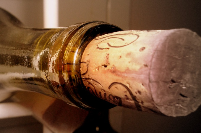 How to put a cork in the bottle