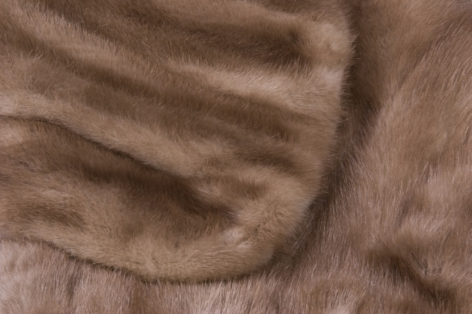 How to sew a fur coat of mink