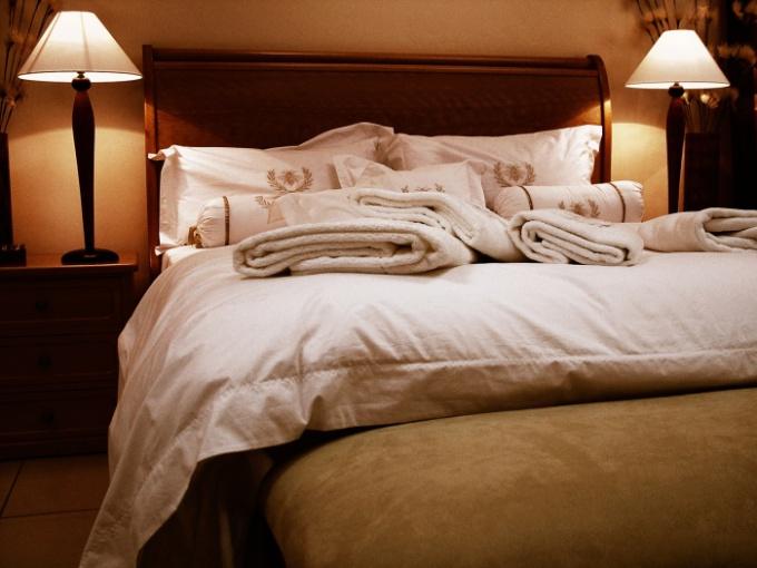 Когда постель жжет тело, а в голове кружит метель из мыслей - это бессонница
