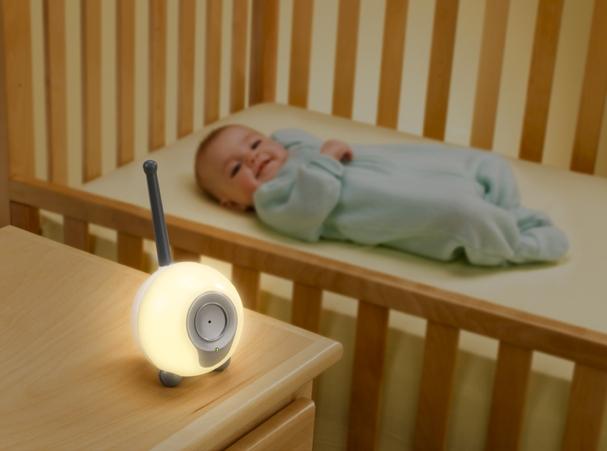 Радионяня - современный прибор для контроля за малышом.