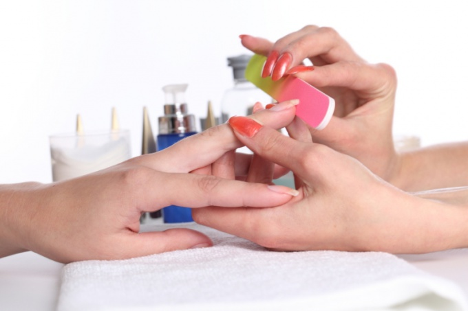 The manicure begins with a nail forms