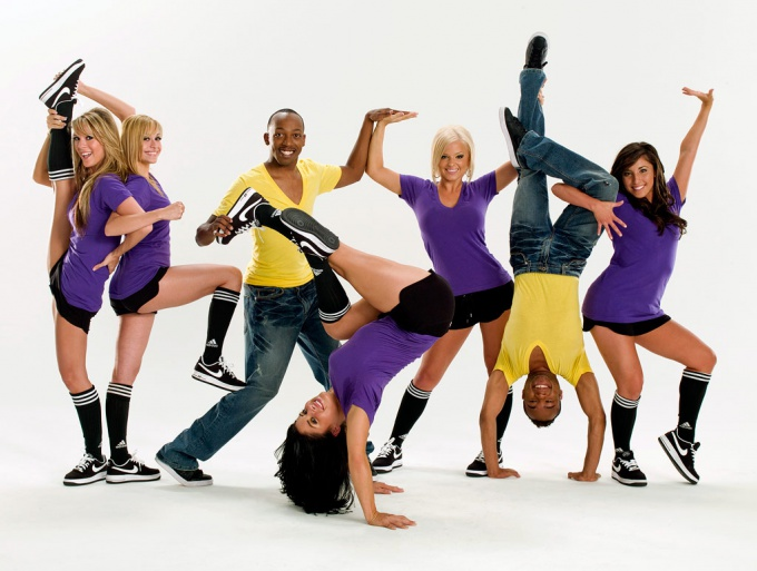 Повысить уровень своей энергии можно с помощью физической активности и положительных эмоций