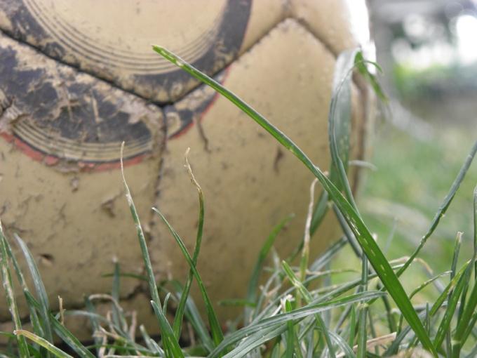 Как зашить мяч