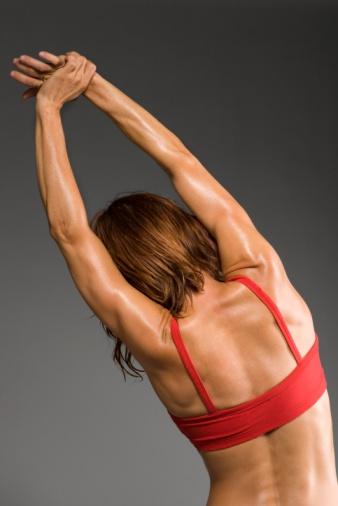 Растяжка мышц спины поможет избавиться от боли в пояснице.