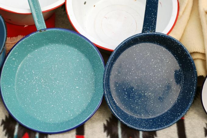 Эмаль подарит новую жизнь старой посуде