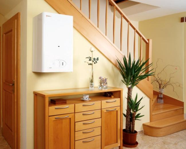 Навесной газовый котел хорошо вписывается в интерьер любого помещения
