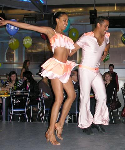 Как танцевать сальсу