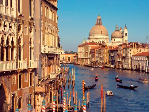 уехать жить в италию