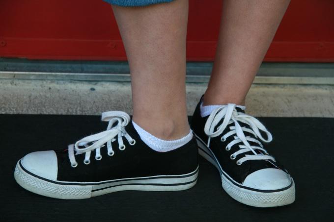 Классическая перекрестная шнуровка
