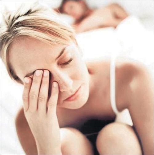Синяки под глазами - признак усталости, недосыпания и переутомления.