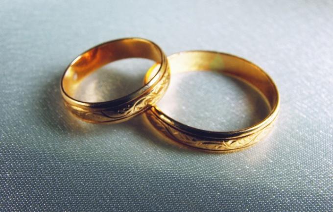 Золотая свадьба - торжественное событие, отметить которое сможет не каждый
