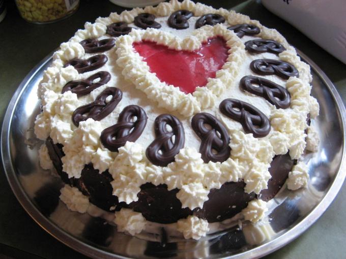 Украшение торта - искусство, которому может научиться любой желающий