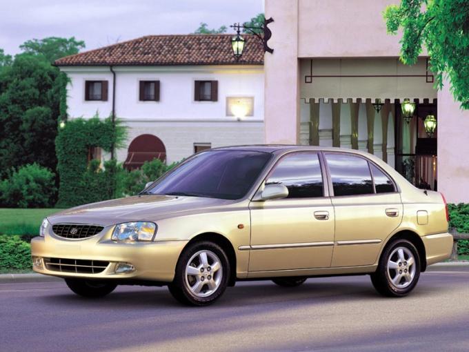 Как заменить лампы на Hyundai Accent