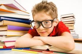 Чтобы определить национальность по фамилии, порой необходимо изучить множество книг