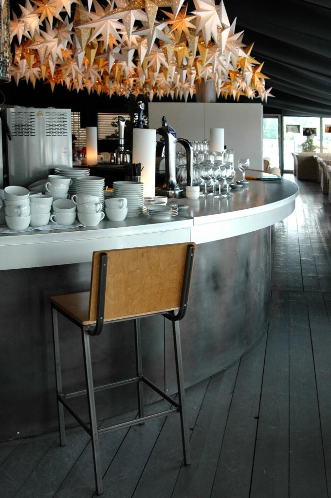 Чтобы кафе или бар были успешными, создайте атмосферу