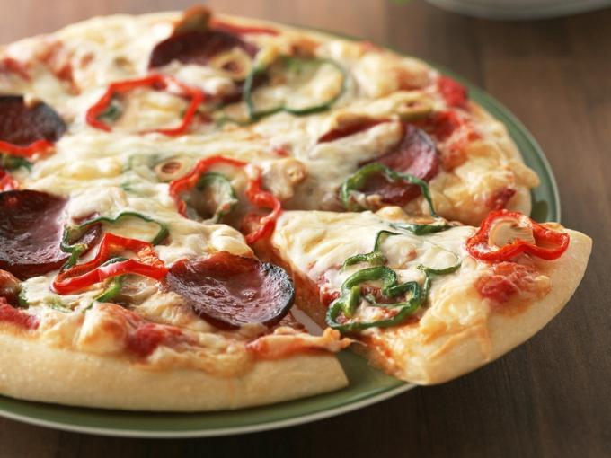 Хорошая пицца получается только в дровяной печи
