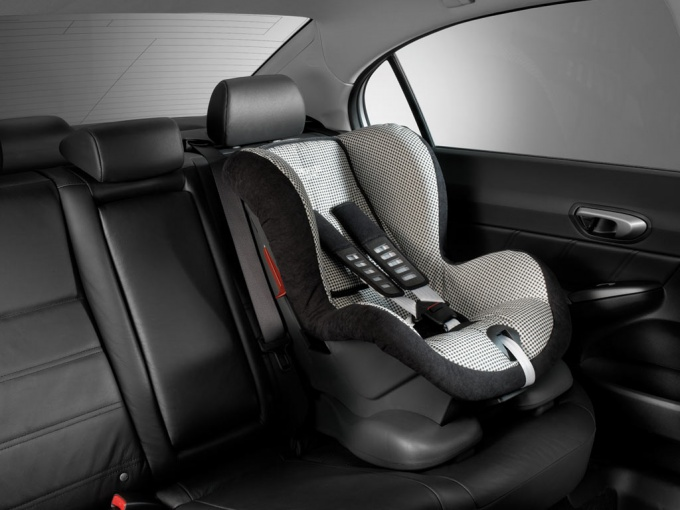How to fasten a child seat