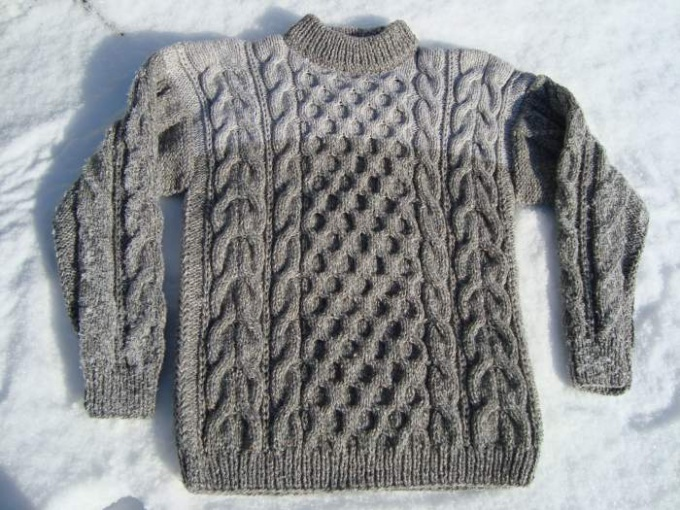 How to knit men's sweater on the needles