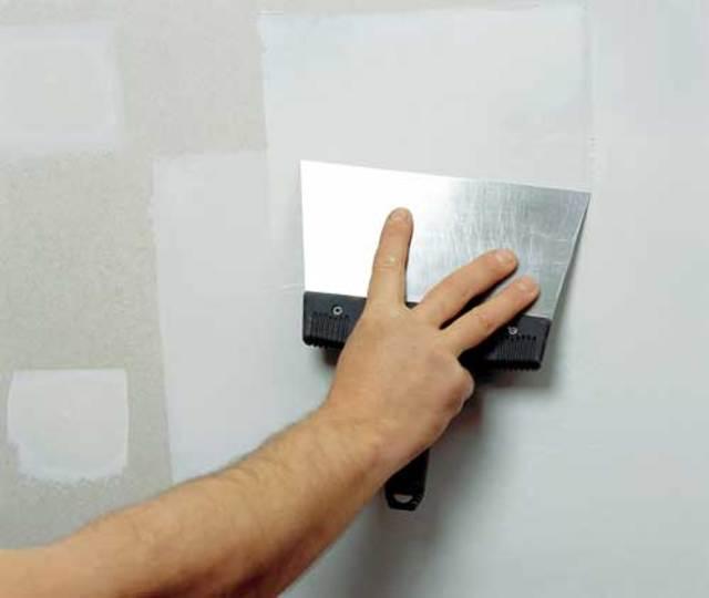 Как шпаклёвать стены