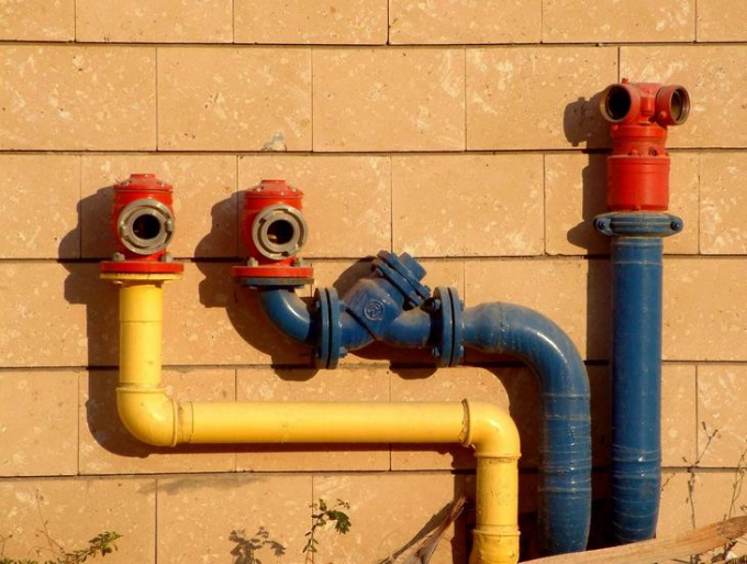 Как провести водопровод в частном доме