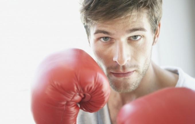 Бокс сделает вашу грудь сильной, накачанной и упругой.