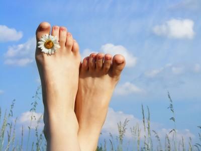 Как удалить мозоли на пальцах ног