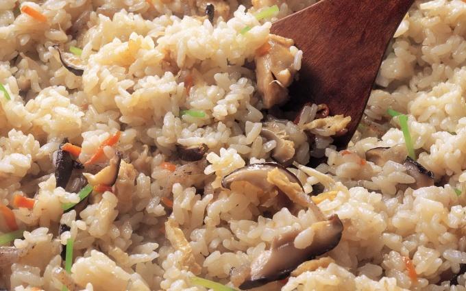 Как пожарить рис