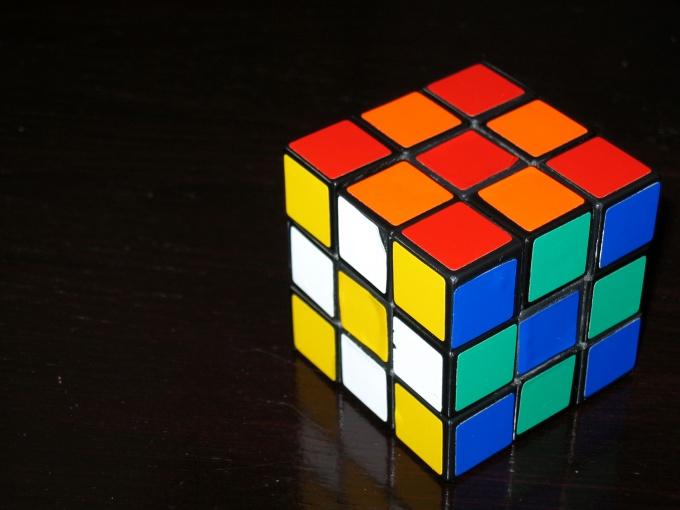 Кубик Рубика - интереснейшая головоломка