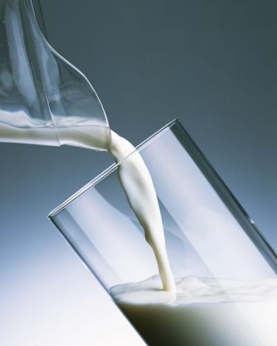 Жирность молока несложно проверить в домашних условиях