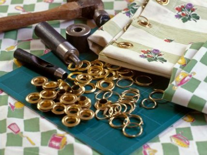 How to sew curtain with eyelets