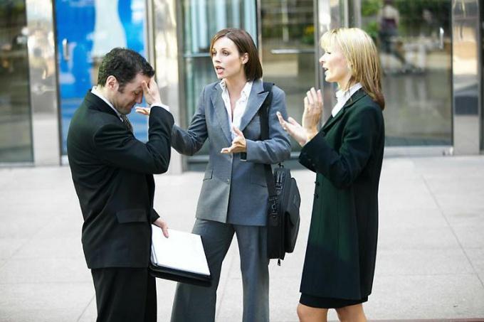 Как разрешить конфликт в коллективе