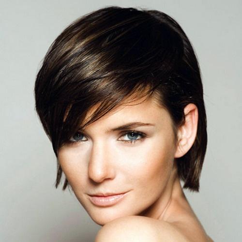 Как сделать красивую прическу для коротких волос