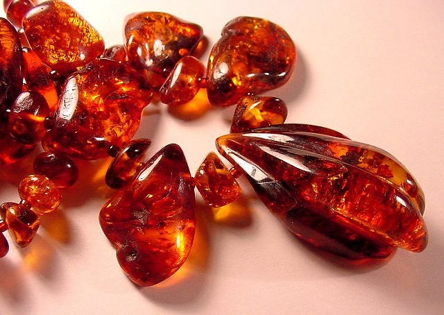 How to identify amber