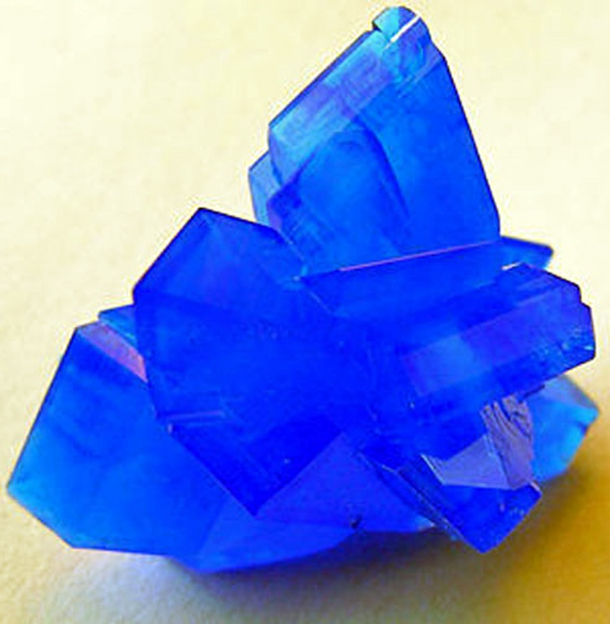 Crystals of copper sulphate - the first step to the science of crystallography