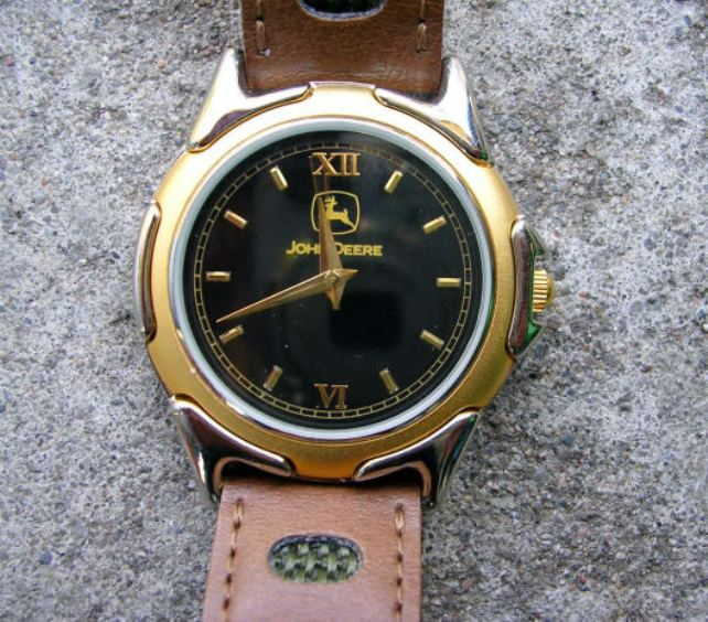 How to disassemble a wrist watch