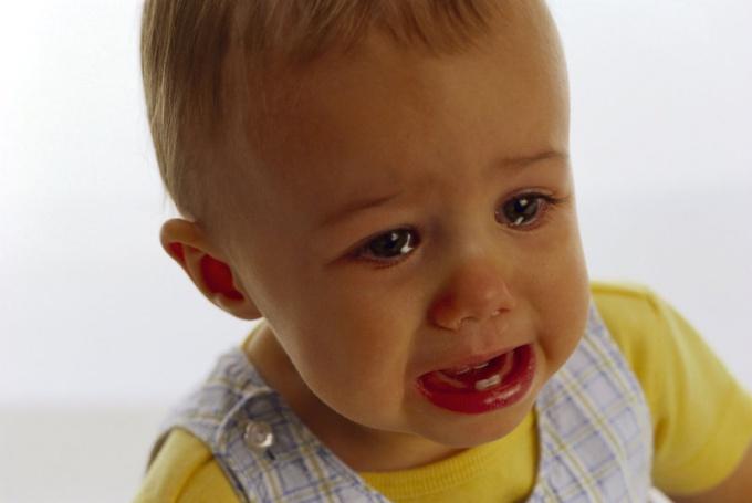 Как прекратить истерику у ребенка