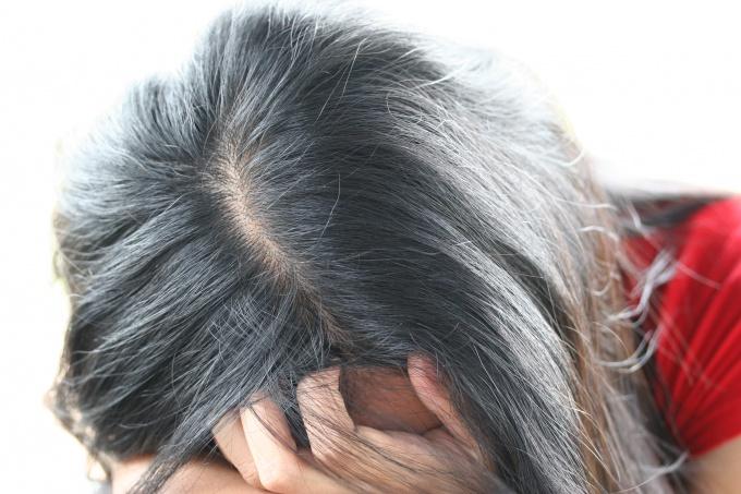 Неудачный цвет волос - это настоящий кошмар для женщины.