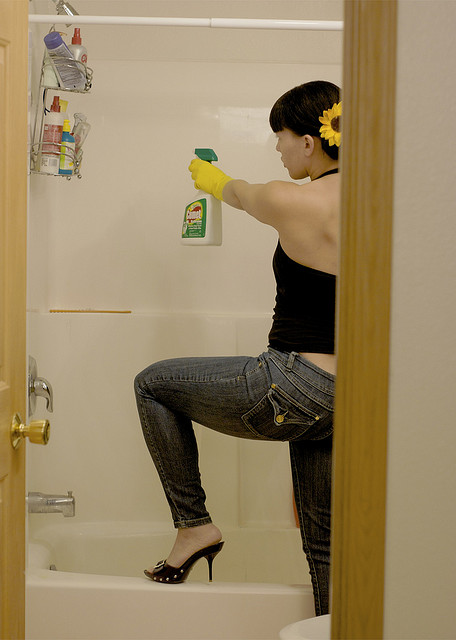 How to get rid of the smell in the bathroom
