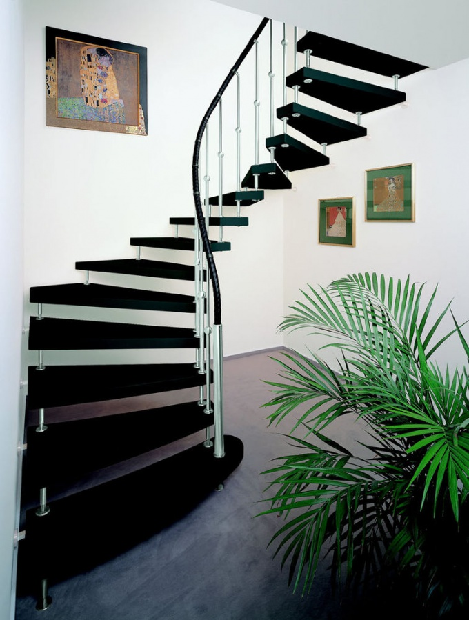 Как построить <b>лестницу</b> на <strong>мансарду</strong>