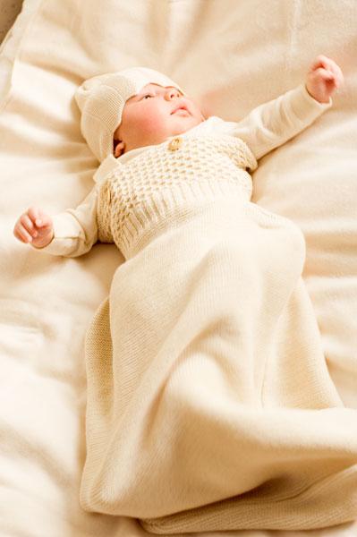 Пеленать новорожденного совсем не сложно