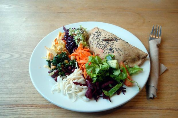 Даже самые полезные блюда желательно употреблять до шести часов