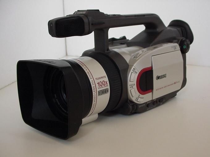 Для оцифровки фильма используйте камеру, на которую он был снят