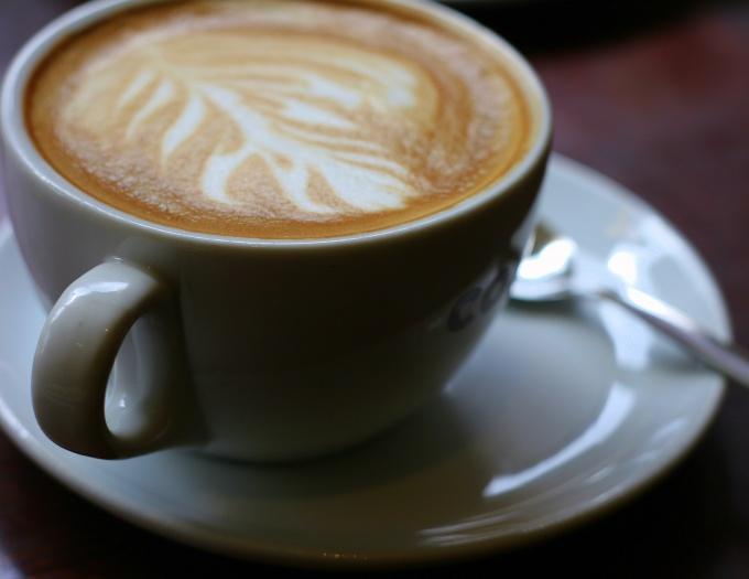 Свежеприготовленный кофе капучино