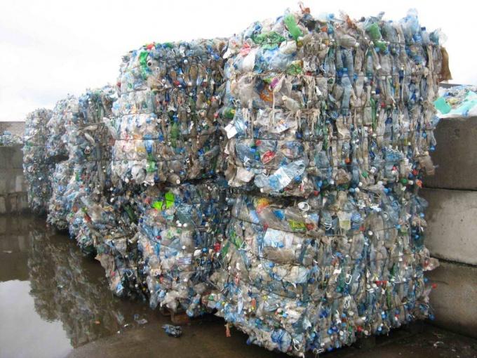 Как переработать пластиковые бутылки