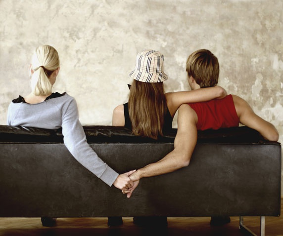 Простить измену мужа сможет лишь мудрая жена.